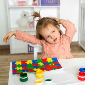 How to make learning process easy for an autistic child?